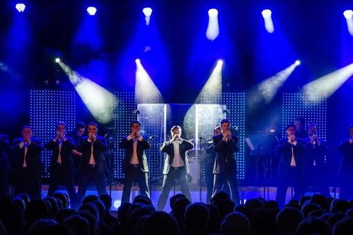 The 12 Tenors live on tour!